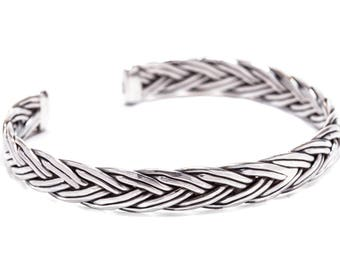 WINDALF Viking Bracelet ARDOR Ø 6.4 cm Partner Jewelry Hand forged from 925 sterling silver
