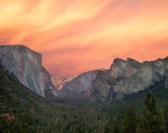 LIMITED EDITION - Red Valley - Sunset in Yosemite Valley, California - Fine Art Print - Home Decor
