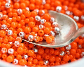Orange beads mix, Orange Silver Czech glass small round spacers, Silver flakes, round druk beads, 3mm 4mm beads mix - 8g - 1546