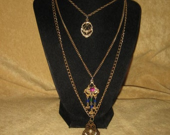 Triple Strand Pendant Chain Necklace Vintage
