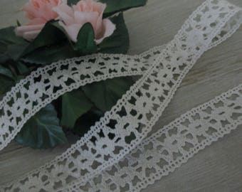 FREE SHIPPING 2 Yards Vintage Lace Trim Cotton