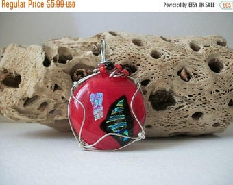 ON SALE Vintage Lamp Work Silver Tone Wire Artisan Murano Glass Pendant 81716
