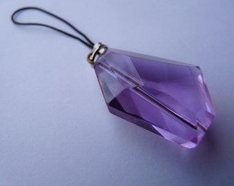 The Crystal Light Detector--A camera pendant ensures color