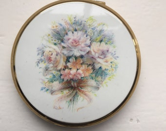 Stratton compact wedding bouquet 1970s, makeup, powder puff, gift for her