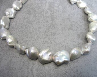 """Real """"celebrity beads"""": Monster-Keshi-Breeding Beads light Silver"""