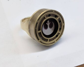 Rose's Ring replica from Star Wars The Last Jedi Perfect Replica - Accurate Iris - Tico