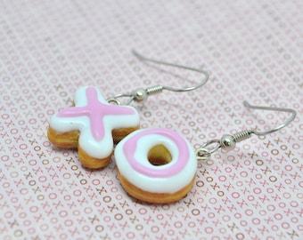 Hugs and kisses donut earrings,Hugs&kisses donut earrings,Hugs and kisses earrings,Donut earrings,Miniature food jewelry,Polymer clay food