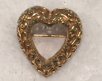 "Gold-tone ""Open"" Heart Pin - CA 1970's - Pin205"