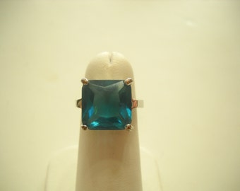 Vintage Dark Blue Topaz Princess Cut Ring (5649) Size 6
