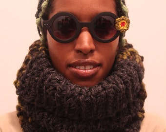 The Seed Neckwarmer  in Charcoal, Fatigue and Grass/Crochet Neckwamer/Crochet Snood