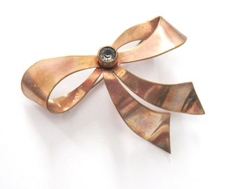 Vintage 1940s Ribbon Bow Brooch, Rose Gold Plated, Rhinestone Center, Large Brooch Jacket Pin