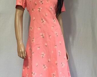 Vintage 1960's Peach Floral Dress  * 60s Pink Flowered Dress - Boho Knee Length Dress - Pretty in Pink Andy Dress - Ringwald Dress