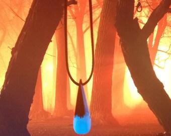 Frost Burn Pendant, Secret pendant, Blue necklace, Wooden resin necklace, Gift Necklace, Resin wood, Glow in the dark, Blue glow, Oak wood