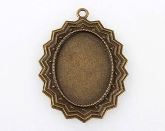 Pendant Bronze 55 mm x 40mm with tray oval 25mm x 35mm