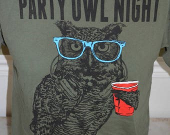Vintage Party OWL Night Graphic T-Shirt (Size: M)