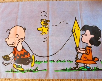 Vintage Peanuts Pillowcase Charlie Brown Lucy Pillowcase Woodstock Pillowcase