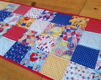 Table Runners & Toppers