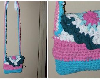 Upcycled. t-shirt yarn purse. cross body. pink blue white. zpagetti 22x8x8