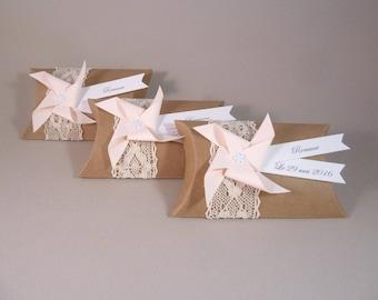 Boîte à dragées kraft dentelle mariage + moulin à vent rose pâle - cadeau de remerciement invités  anniversaire, baptême, mariage