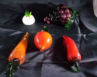 """Vintage glass fruit and vegetables from 2 to 6"""" long"""
