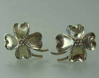 Ladies Vintage Sterling Silver Dogwood Flower Earrings
