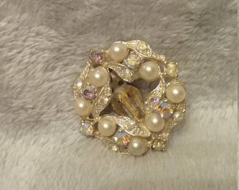 Aurora Borealis Stone and Pearl Look Vintage Gold Tone Single Clip On Earring