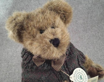 Vintage Boyds Bear - Mr. Trumbull - Teddy Bear with Bow Tie and Sweater - Mint Condition with Tags - 918330