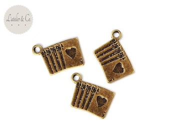 10 card poker casino Las Vegas 16x12mm bronze metal charms / travel B24