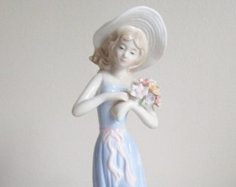 Young Girl Gathering Flowers Glazed Porcelain Vintage Figurine by Gifts from House of Lloyd Collection, Very Good Condition, Gift for Mom