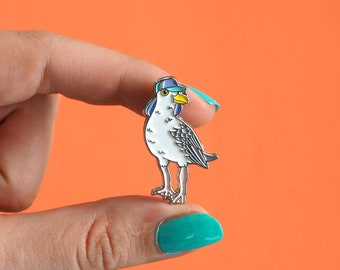 Herring Gull Enamel Pin Badge - Birds in Hats Seagull in a Sun Hat Pin Badge, Lapel Badge, Hat Pin, Bird pin, Brighton Seagull, Gull badge
