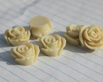 10 ROSE BUD Cabochons - 20mm - Ivory Color
