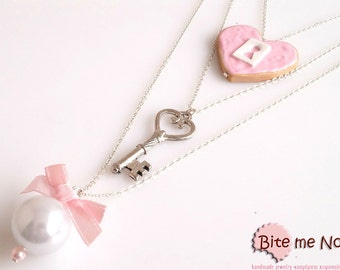 Heart Biscuit and Key Necklace, Valentine Heart, Miniature Food Jewelry, Romantic Jewelry, Polymer Clay Sweets, Kawaii Jewelry, Cute Jewelry