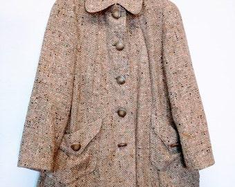 WWII era swing coat women's S/M jacket wool pink rose tweed Scotland hip length short green gold black fleck bakelite buttons original
