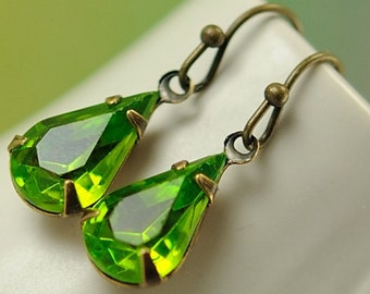Green Teardrop Earrings Vintage Jewel Earrings Sparkly Olivine Olive Green Drop Dangle Earrings