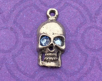 Handmade Skull Charm with Light Sapphire Crystal Eyes, Lead Free Pewter, about 17mm x 9mm
