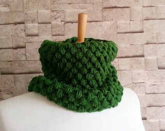 Cowl Scarf, Crochet Cowl, Chunky Scarf, Emerald Green, Bubble Scarf, Crochet Neckwarmer, Winter Fashion
