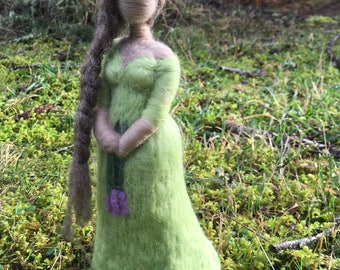 Needle Felted Wise Woman, Green Witch, Woman