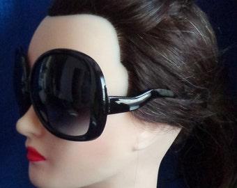 Ladies Vintage Black Oversized Sunglasses,Very Large Black Sunglasses