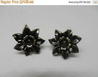 Spring Sale Vintage Sterling Silver Flower Screw Back Earrings