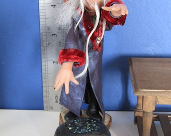 12th scale Wizard with his Cauldron by KastleKelm Miniatures