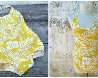 Vintage 1970s 1 piece floral yellow/white swimsuit /swimwear size S