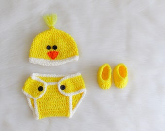 Little Chickie Outfit , Newborn Photo Prop, infant Crotchet Yellow Chicken , 3 Piece Outfit, baby outfit props