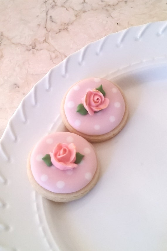 50 Pcs.  Round or Heart Cookie Favor-White Wedding Favors, Bridal Showers, Bridemaids Gifts, Baby Showers