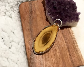 Slice of Peace pendant | Agate slice pendant | Soldered crystal necklace