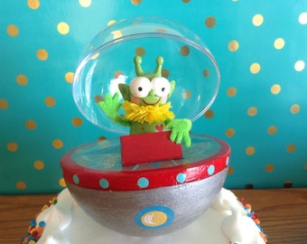 Alien Open Spaceship Cake Topper