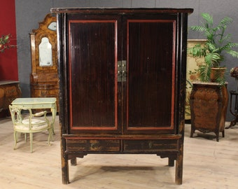 Chinese wardrobe in lacquered wood