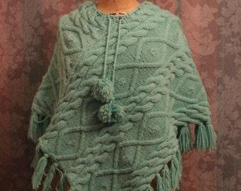 XS-S Knit Soft Green Fringe Poncho