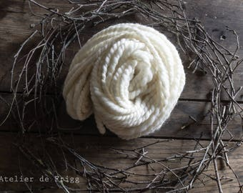 White hand spun Shetland wool