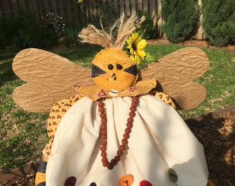 Folk Art Bee - Primitive Doll - Primitive Pattern - Country Decor - Rustic Room Accent - Fabric Bee - Garden Decoration - Primitive Spring