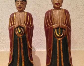 Deux statues de moines, en bois, indonésiennes, art ethnique